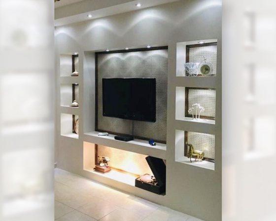 Innenraumgestaltung: Highlight im Wohnzimmer TV-Wand mit Licht Design