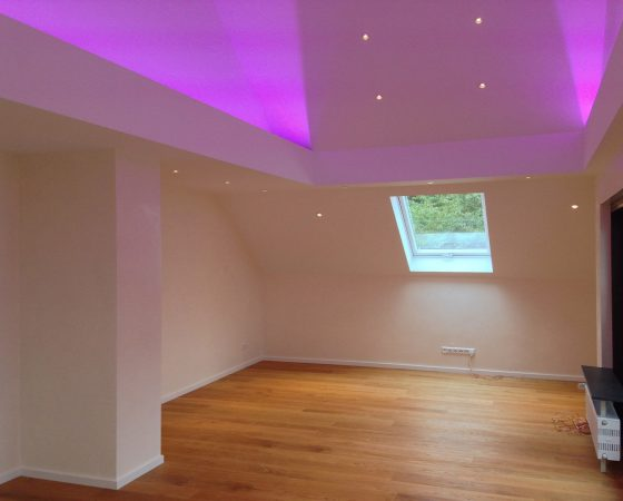 Innenausbau: Dachgeschoss – Ausbau mit Spachteltechnik und Lichtkonzept