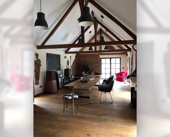 Innenausbau: Umgestaltung einer Scheune in einen gemütlichen Wohnraum