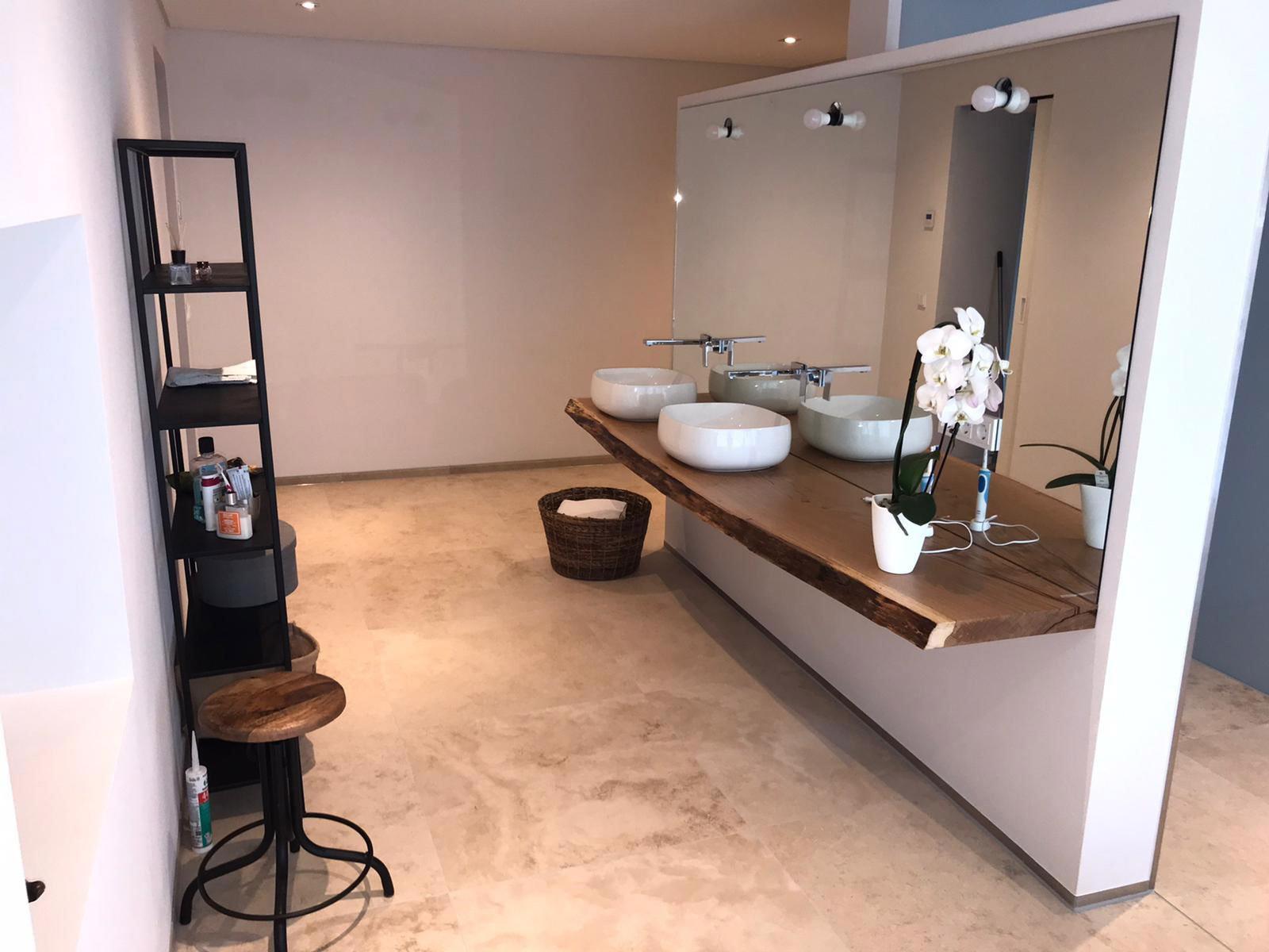 Innenraumgestaltung und Malerarbeiten Badezimmer mit Lehmputz ...